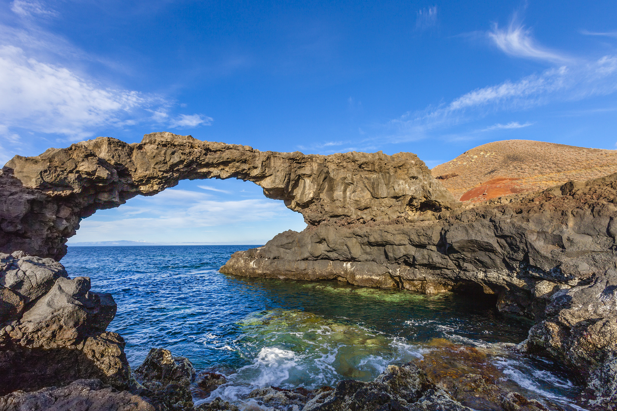 Arch of volcanic rock known as Charco Manso; nearby you can find a fantastic bathing place. Echedo, El Hierro, Canary Islands, Spain. Canon EOS 5D Mark II