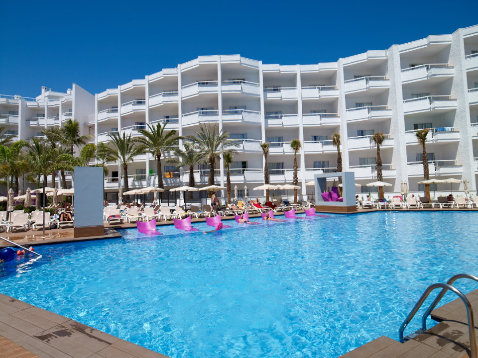 Why go adults only travelrepublic blog for Design hotel gran canaria