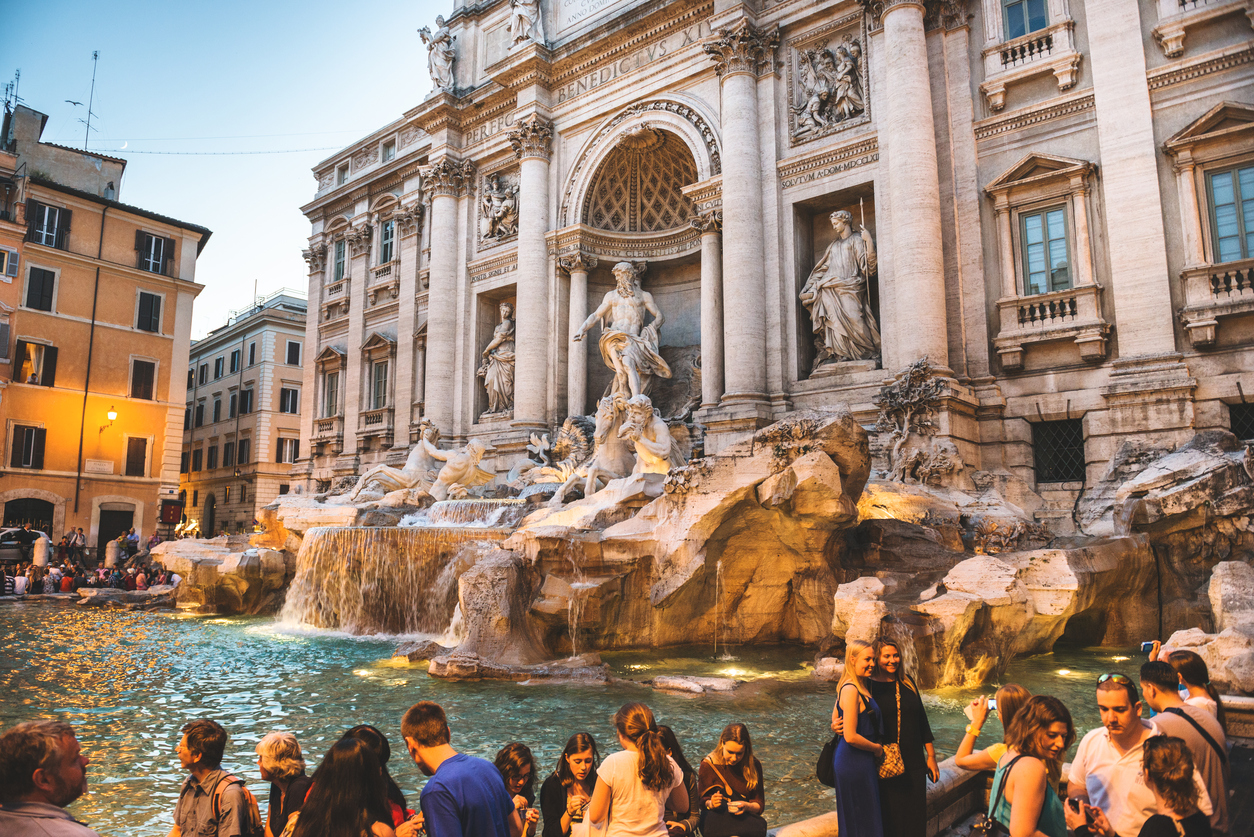 Trevi fountain in Rome full of tourist