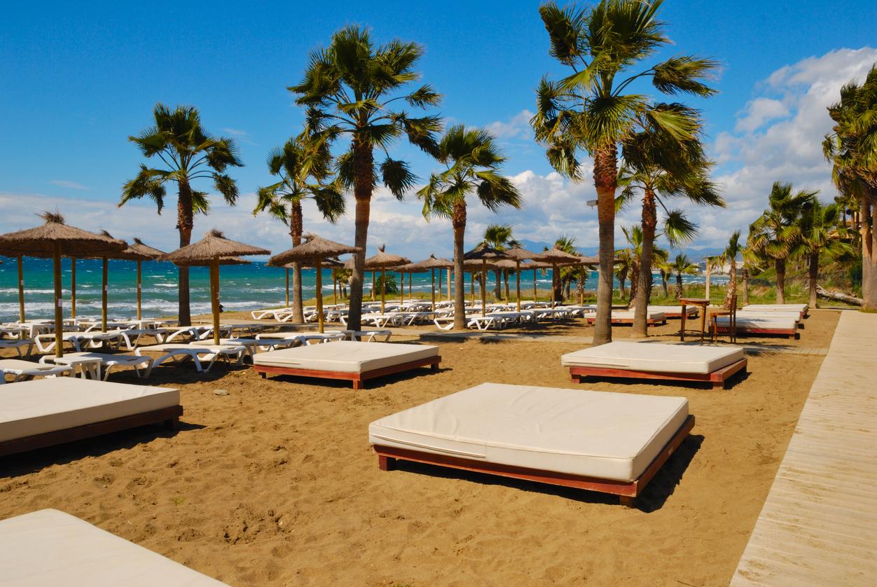 The 22 Best Beaches of the Costa del Sol - [TravelRepublic Blog]